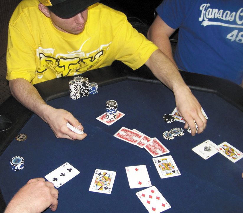 Locals flock to league poker games