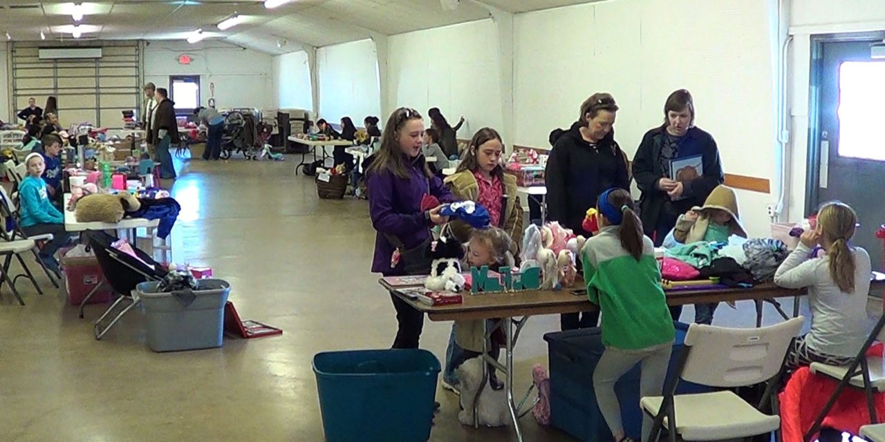 Weather doesn't stop bargain hunters