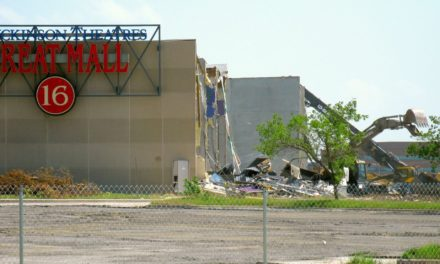 Demolition began on Olathe's Great Mall of the Great Plains on July 11