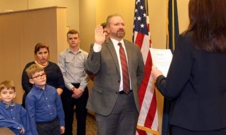 Newly elected Gardner mayor, officials sworn in Jan. 8