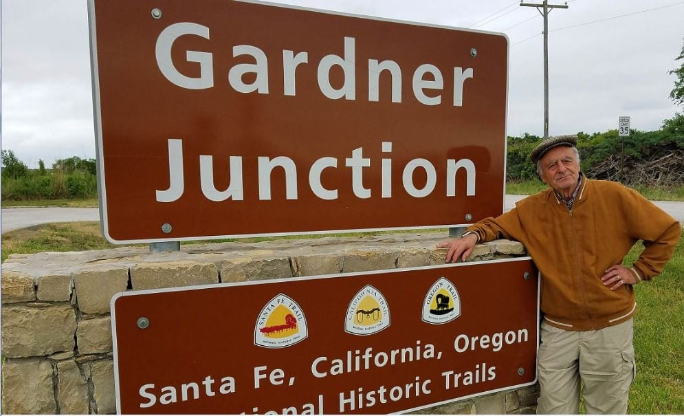 Artist returns to Gardner Junction to begin repeat journey of the Oregon Trail